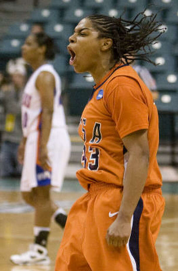 UTSA's Monica Gibbs celebrates at game's end. Photo: Steve Campbell, Houston Chronicle