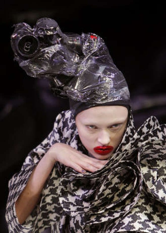 Alexander McQueen Photo: CHRISTOPHE ENA, AP