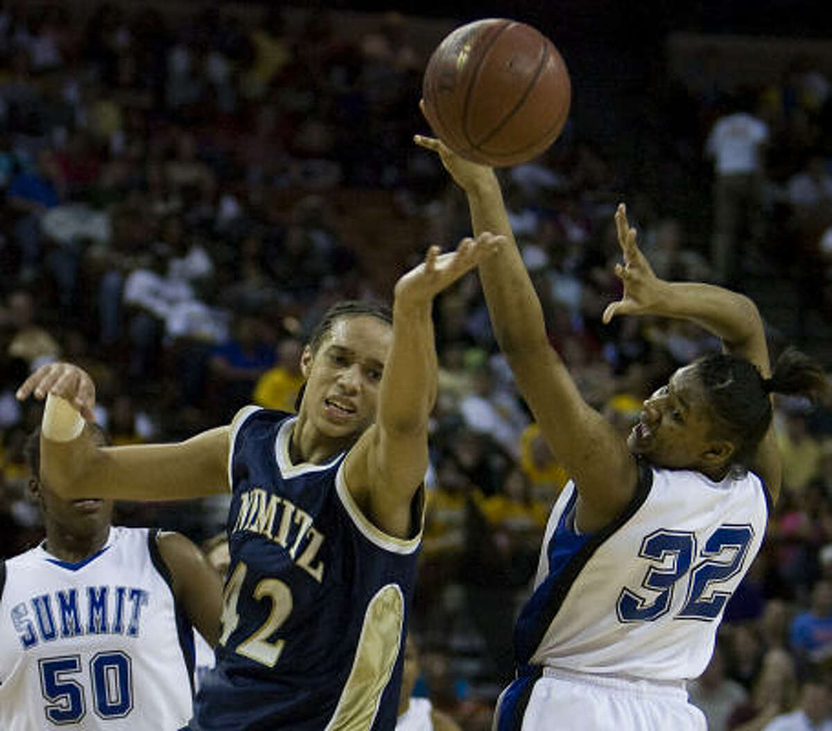 Mansfield Summit 52, Nimitz 43: Nimitz's Brittney Griner (42) battles Mansfield Summit's Breanna Harris for a loose ball in the first half of the state title game in Austin.