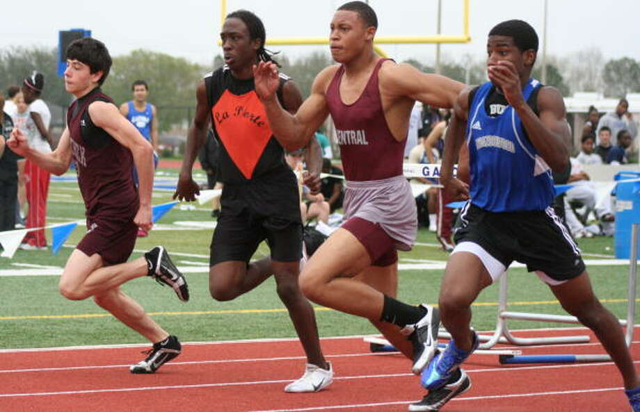 A good start in heat 2 of the 110 high hurdles. Photo: Gerald James, For The Chronicle