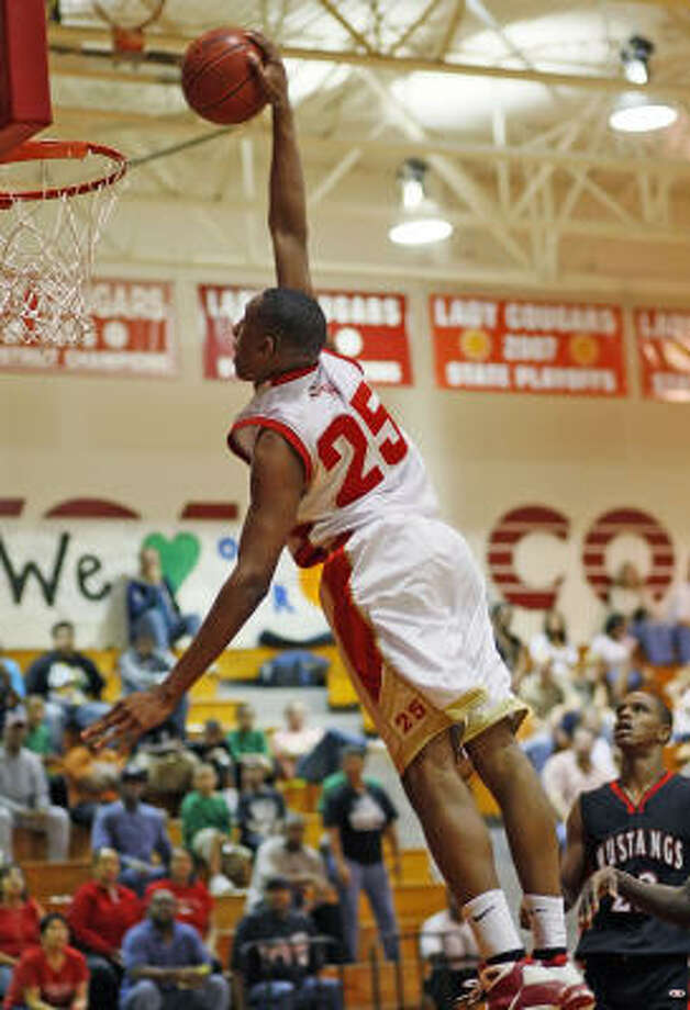 DEE MARCO RICHARDSON, CY WOODS When: Feb. 27. Opponent: Westfield. Photo: Bob Levey, For The Chronicle