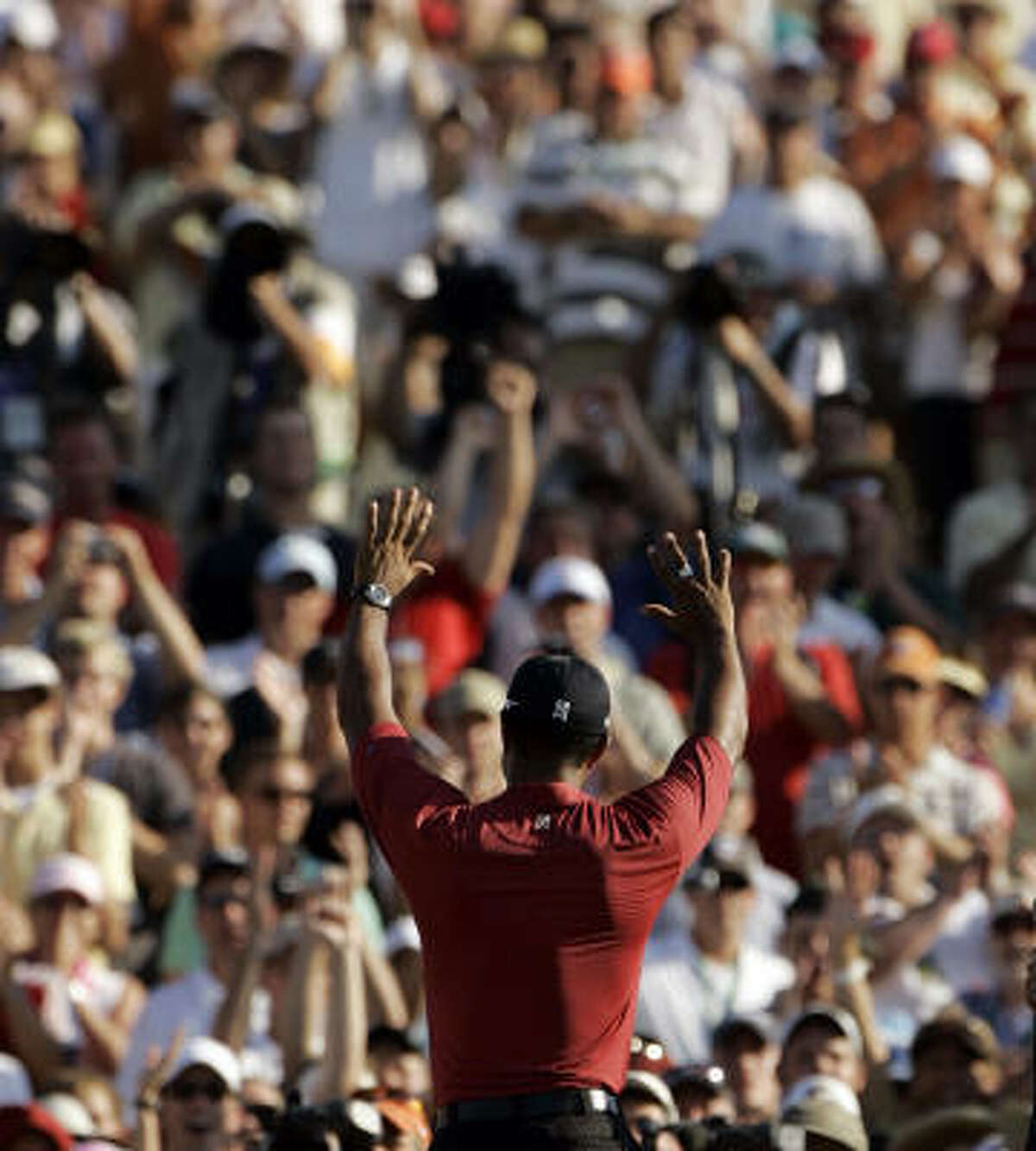 2007 PGA CHAMPIONSHIP: Tiger Woods pulled himself together after a three-putt bogey on the 14th and held off Woody Austin for the win at the Southern Hills Country Club in Tulsa, Okla.