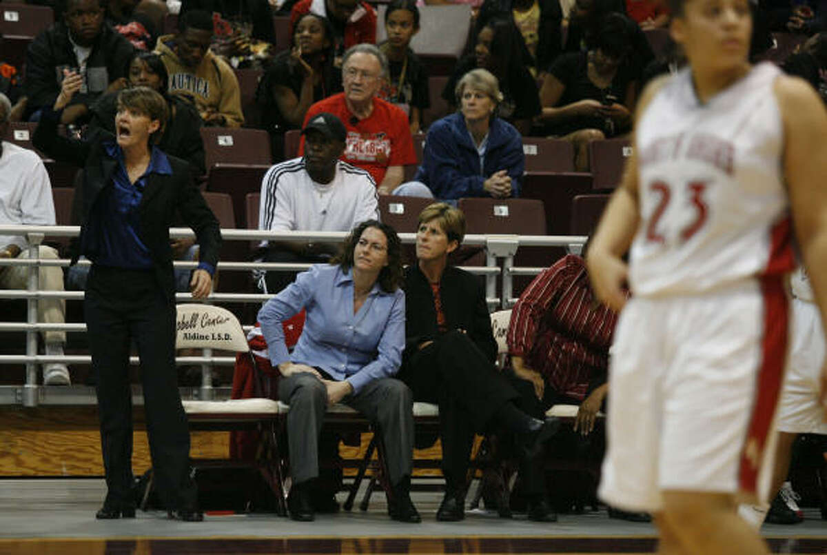 North Shore Mustangs head coach Allison Campbell tries to get her team fired up.