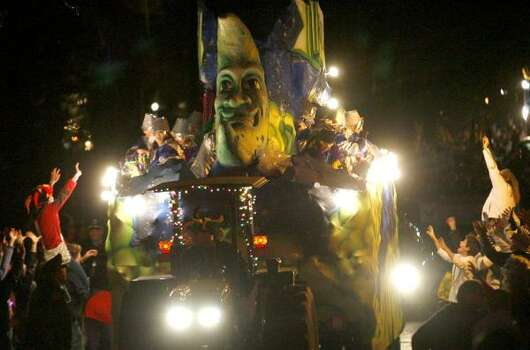 The Krewe of Morpheus rolls down Napoleon Avenue as New Orleans starts a five-day parade marathon. Photo: MICHAEL DeMOCKER, The Times-Picayune