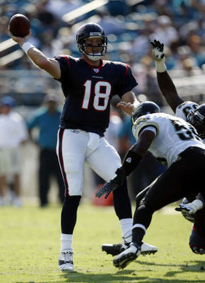 Oct. 14, 2007 | Texans vs. Jaguars:The first time Sage Rosenfels stepped in for Matt Schaub was in the 37-17 Houston loss to Jacksonville last season.  Rosenfels completed 11-of-12 attempts for 82 yards. Photo: James Nielsen, Houston Chronicle