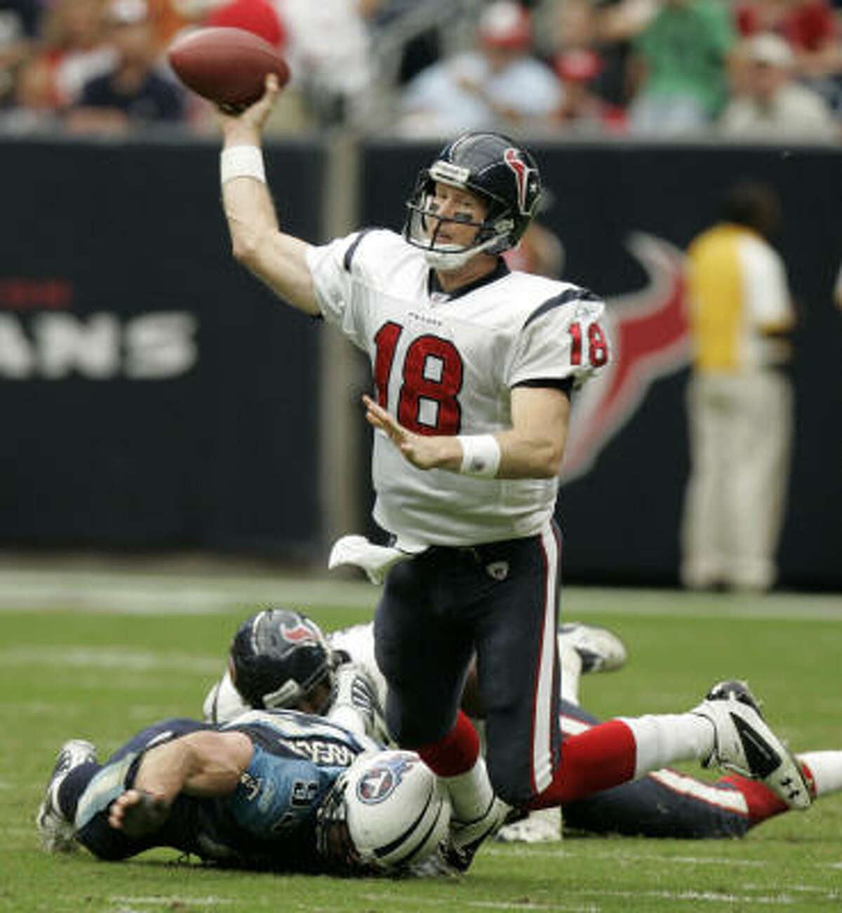 Oct. 21, 2007 | Texans vs. Titans: Texans backup QB Sage Rosenfels replaced the injured Matt Schaub (ankle) in the first quarter and led a Texans' rally, tying an NFL record with four TD passes in the fourth quarter. Rosenfels finished 22-of-35 for 290 yards, with four touchdowns and three interceptions and the Texans lost 38-36.