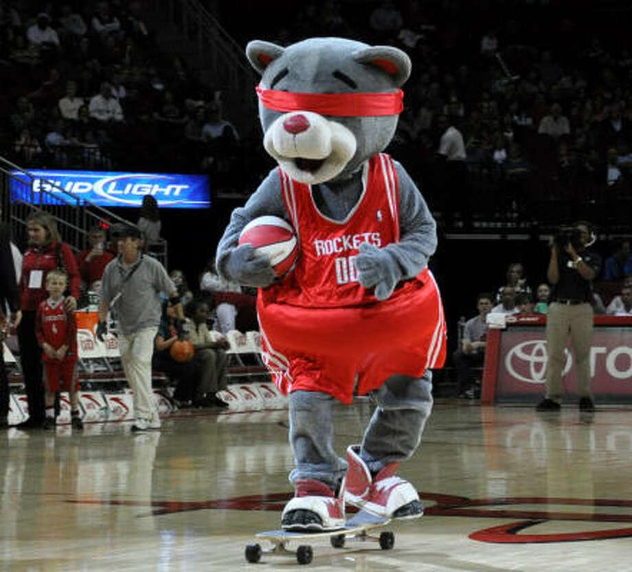 Rockets Mascot, Dancers Face Off