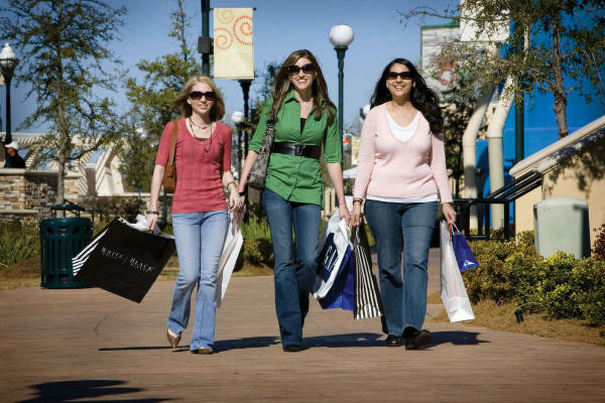 Shopping in Shreveport-Bossier City is an experience full of unexpected surprises. There are a range of options aimed at helping you find the latest trends as well as the unique options for the shopper who prefers something a bit more offbeat.
