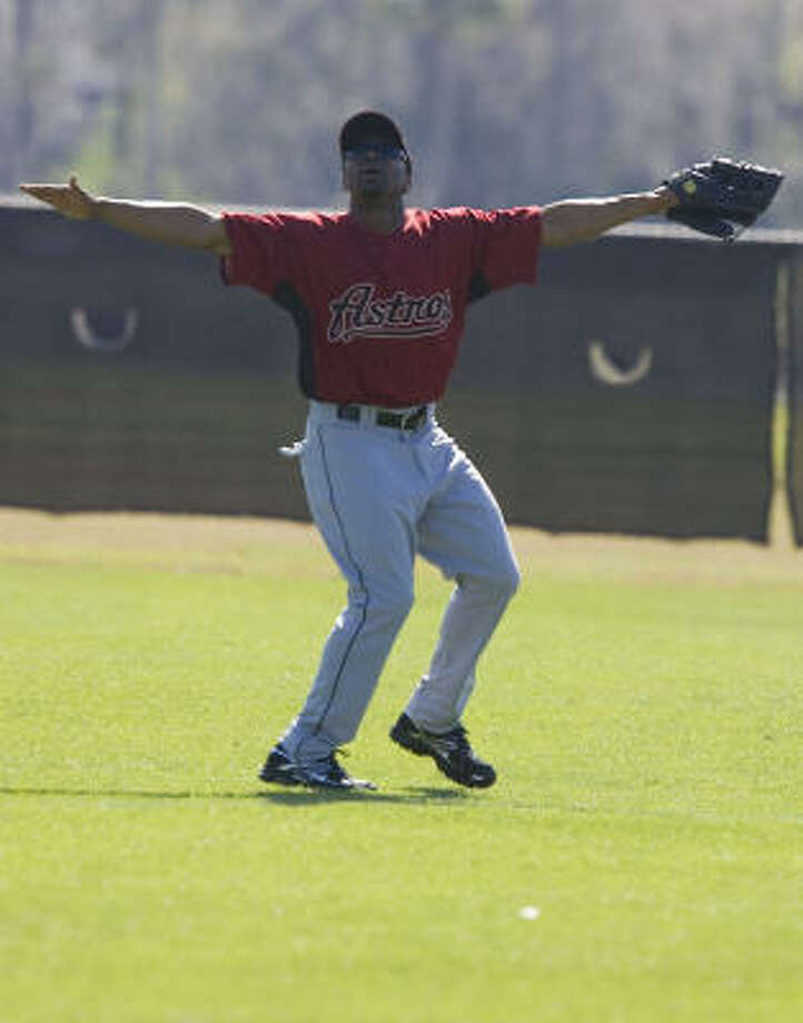 Outfielder Michael Bourn calls for a ball. Photo: James Nielsen, Chronicle