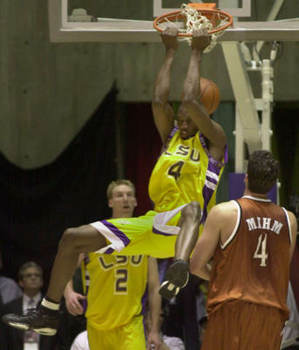 In 2000, the Longhorns lost to LSU 72-67 in the second round of the West Regional.