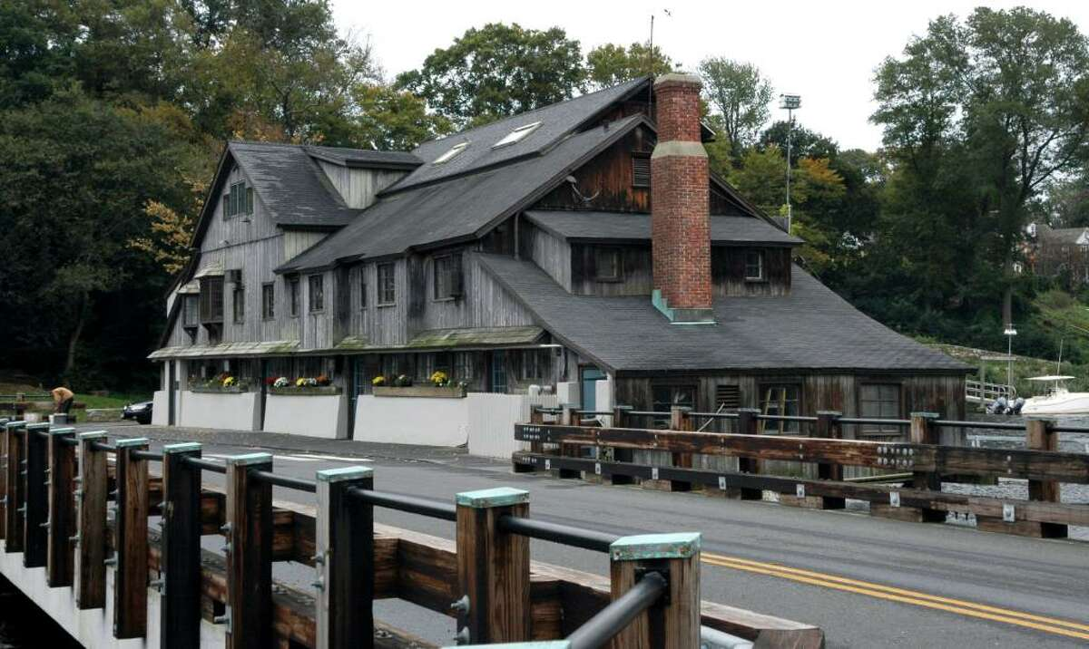 The Fairfield Historic District Commission gave approval for Dr. William Kueffner to install 16 solar panels on the roof of the historic Tide Mill building on Harbor Road in Southport, Ct.