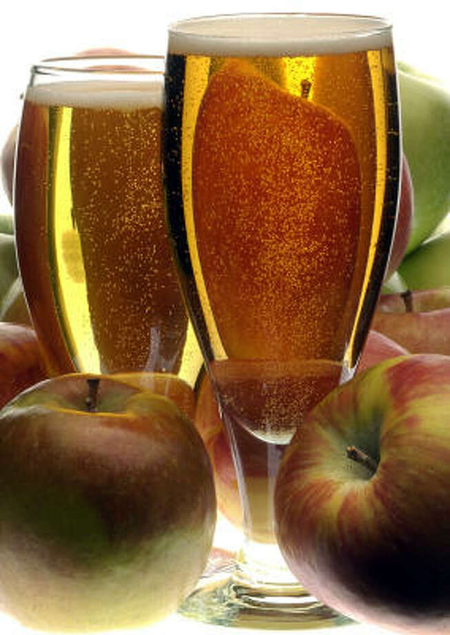 Hard cider: 180 calories per 12-ounce servingSource: thedailyplate.com Photo: BOB FILA, KRT
