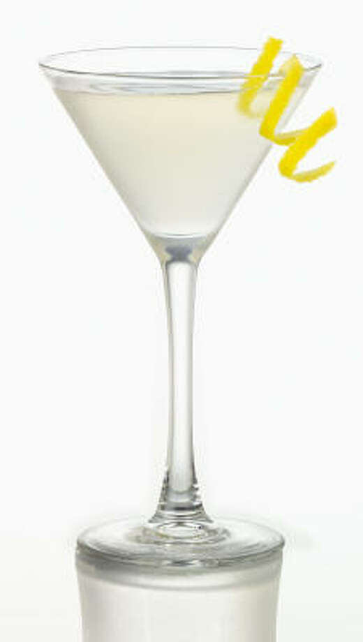 Martini: 140 calories per 3.5-ounce servingSource: collegedrinkingprevention.gov Photo: Smirnoff