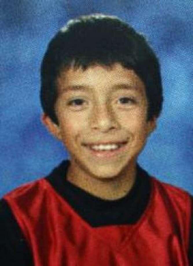 Rico Armando Bañuelas, quien murió a los 11 años de edad, es una de las víctimas más jóvenes. El niño originario de El Paso fue baleado durante un robo mientras estaba de vacaciones con su familia en Mazatlán, en 2008. Photo: Foto De La Familia