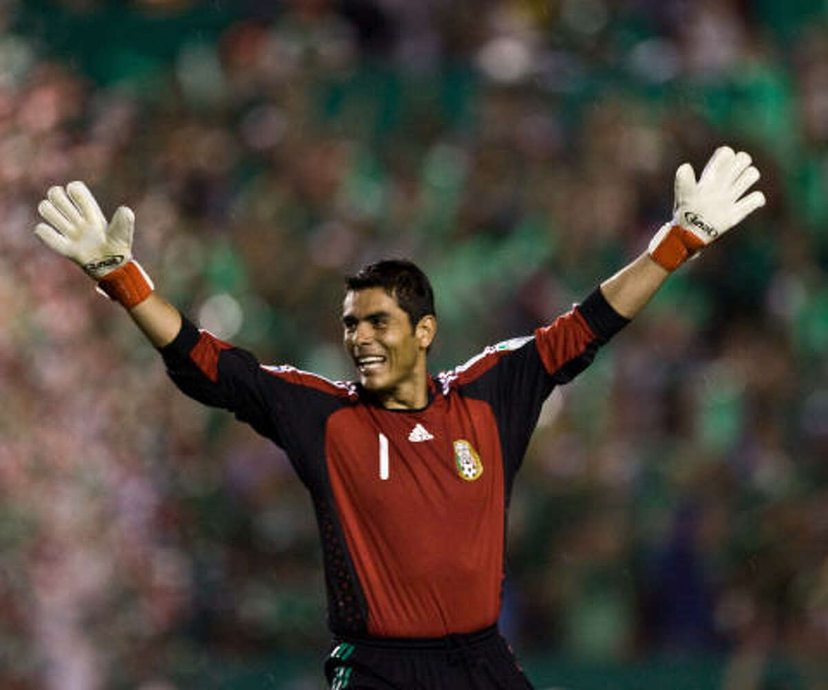 Goalkeeper: Oswaldo Sanchez Club: Santos Laguna