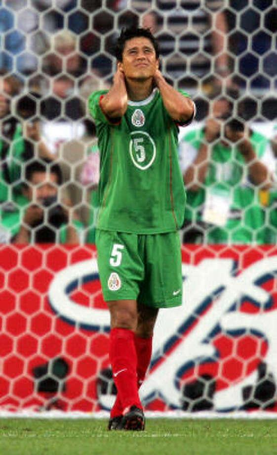 Defender:Ricardo Osorio Club: VFB Stuttgart Photo: STF, AP