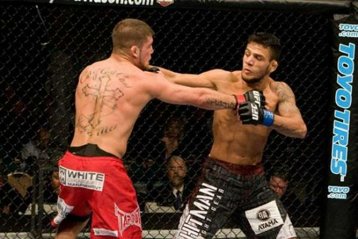 By winning Knockout of the Night honors in his last fight at UFC 91, Jeremy Stephens (left) earned a spot in the main event at UFC Fight Night 17 against Joe Lauzon.