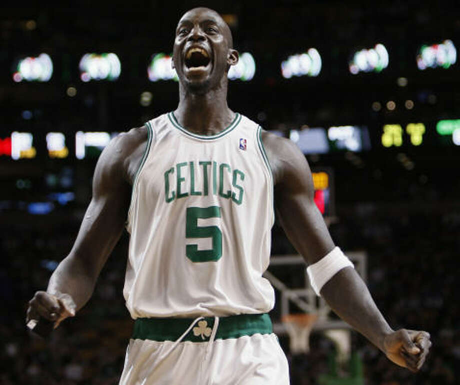 1 - BOSTON CELTICS - (Last wk: 4) - 42-10 - Well, there was nothing magic about the way KG and his band of merry men went into Orlando and slapped that pretender smirk off the faces of the Magic. The lineup is healthy and back together, Ray Allen has rediscovered his shot and with 9 wins in a row, Boston is once more the team to beat. Photo: Winslow Townson, AP