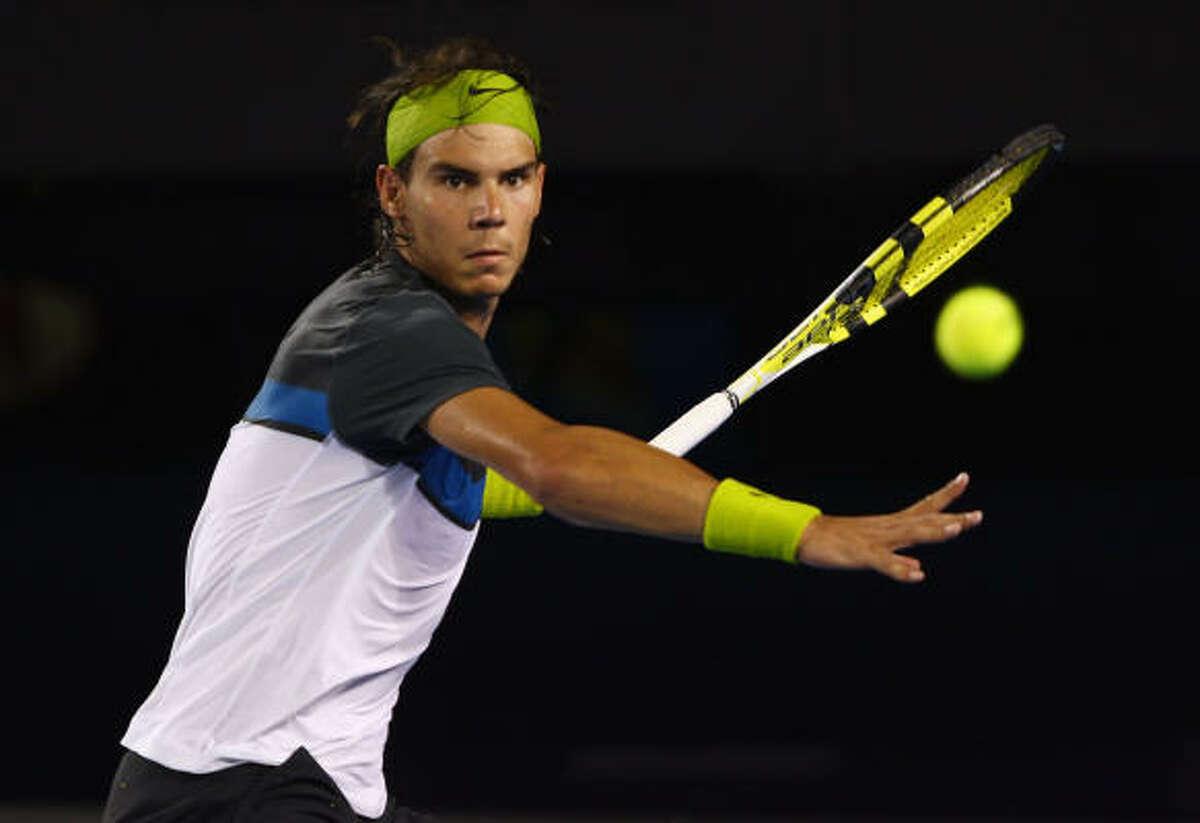 February 1, Rafael Nadal defeats Roger Federer in men's final With Sunday's Australian Open win, Rafael Nadal improved to 13-6 overall against Roger Federer.