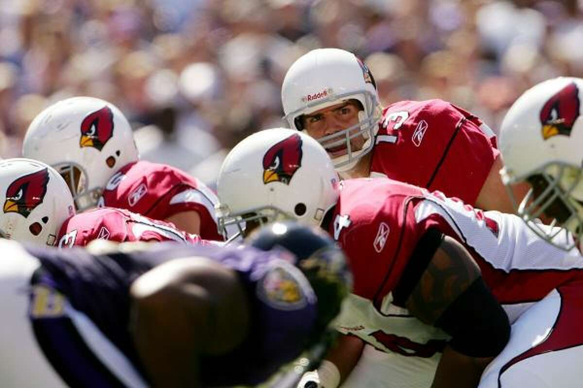 2007 : Warner played in 14 games and started 11 for the Cardinals. He finished with 27 touchdown passes and a 89.8 rating. The team finished with an 8-8 record and did not go to the playoffs.