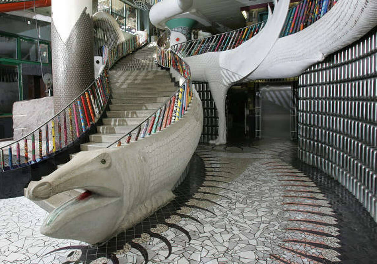 The staircase at City Museum is decorated with conveyor belt rollers from the original shoe factory, hand-painted by local schoolchildren.