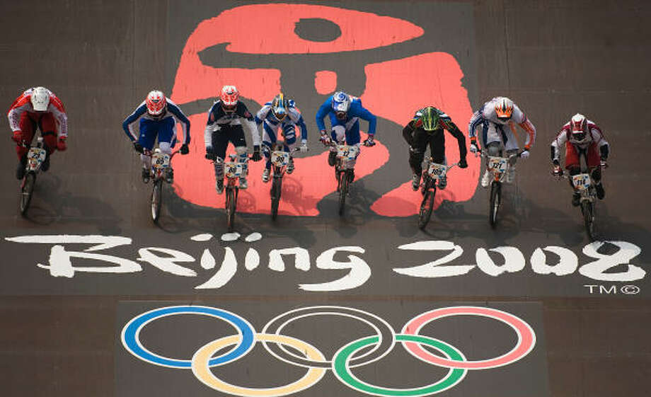 Kyle Bennett (88) of Conroe, Texas, competes in the quarterfinals of BMX cycling at the 2008 Summer Olympic Games in Beijing. Photo: Smiley N. Pool, Chronicle