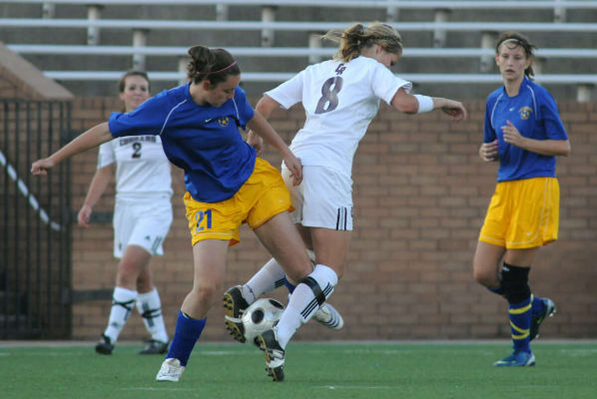 KLEIN VS. CINCO RANCHWho : Klein's Brett Baxter and Cinco Ranch's Missy Wentz (8).