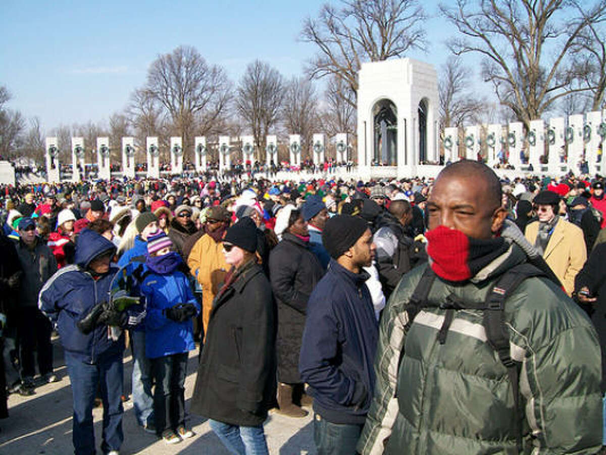 The crowd in the pit of the World War II Memorial. January 20, 2009.