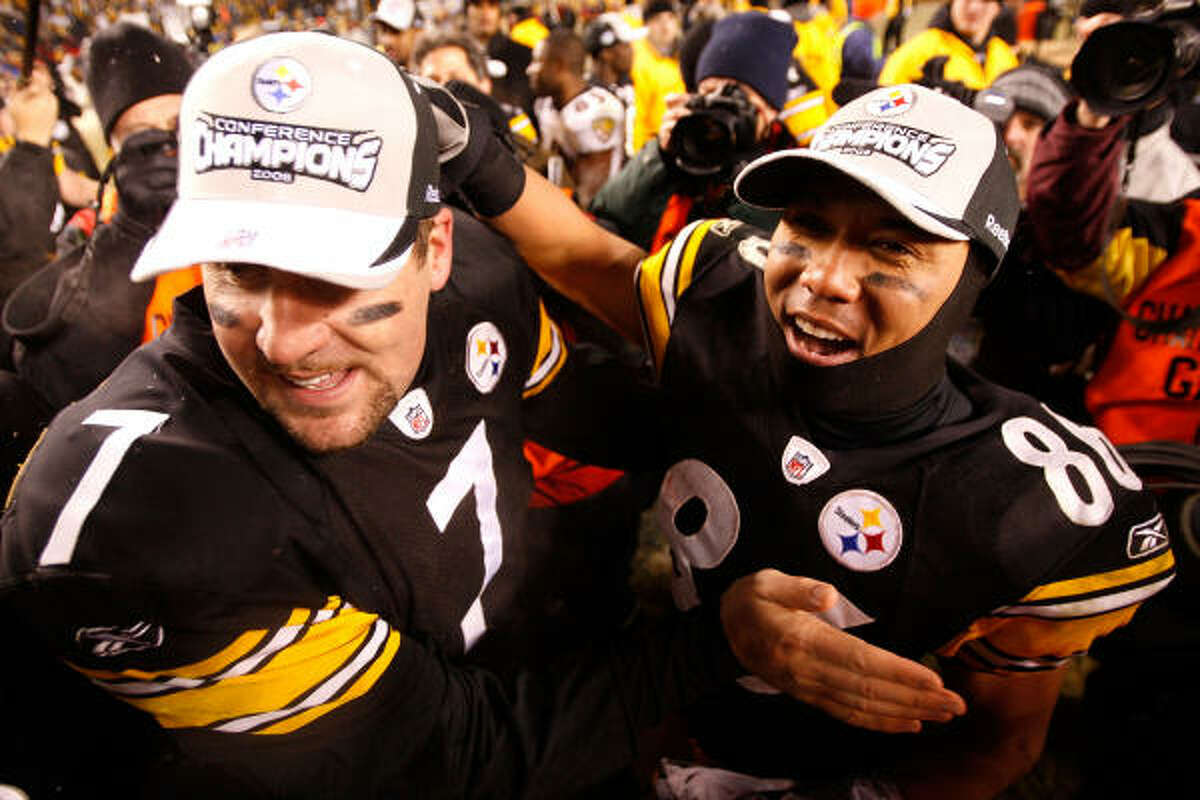 Steelers quarterback Ben Roethlisberger (7) and receiver Hines Ward celebrate their 23-14 win.
