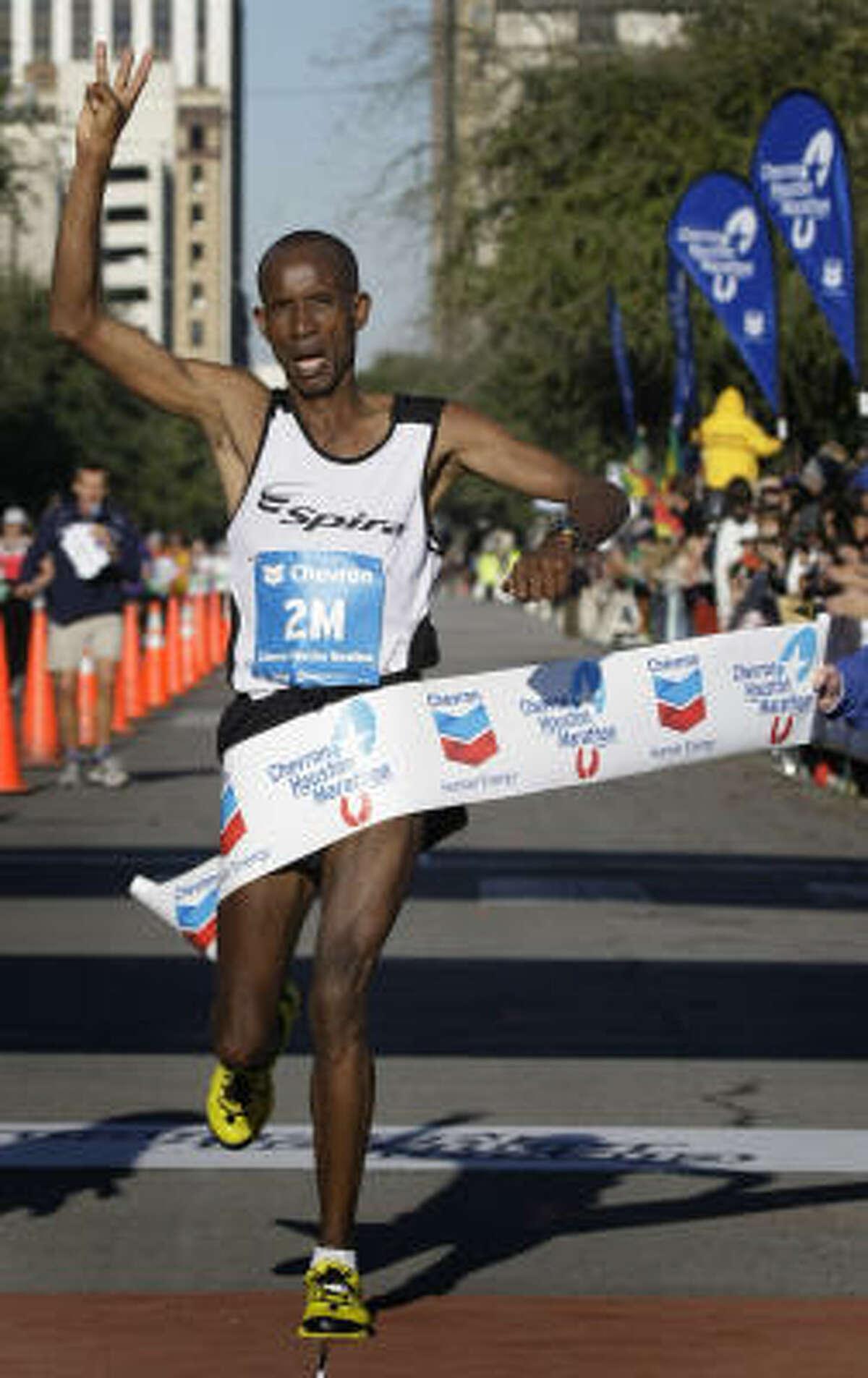2008 men's division: David Cheruiyot, Kenya, 2:12:32