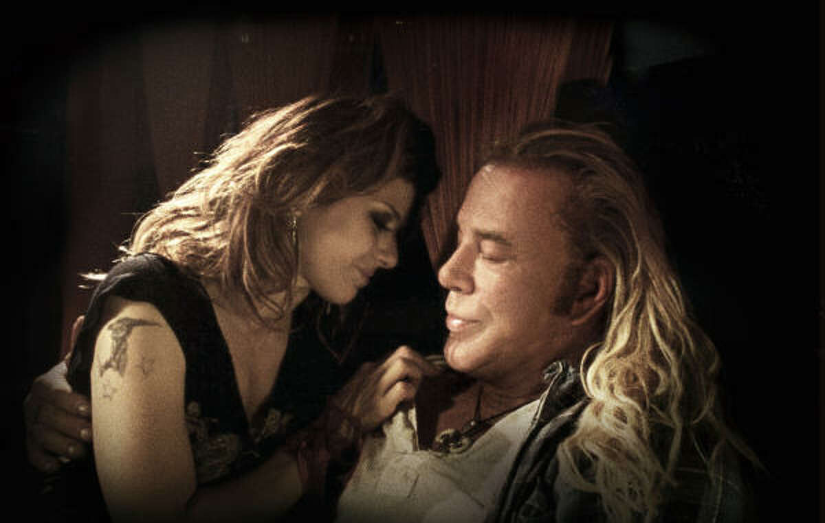 Marisa Tomei and Mickey Rourke star in The Wrestler.