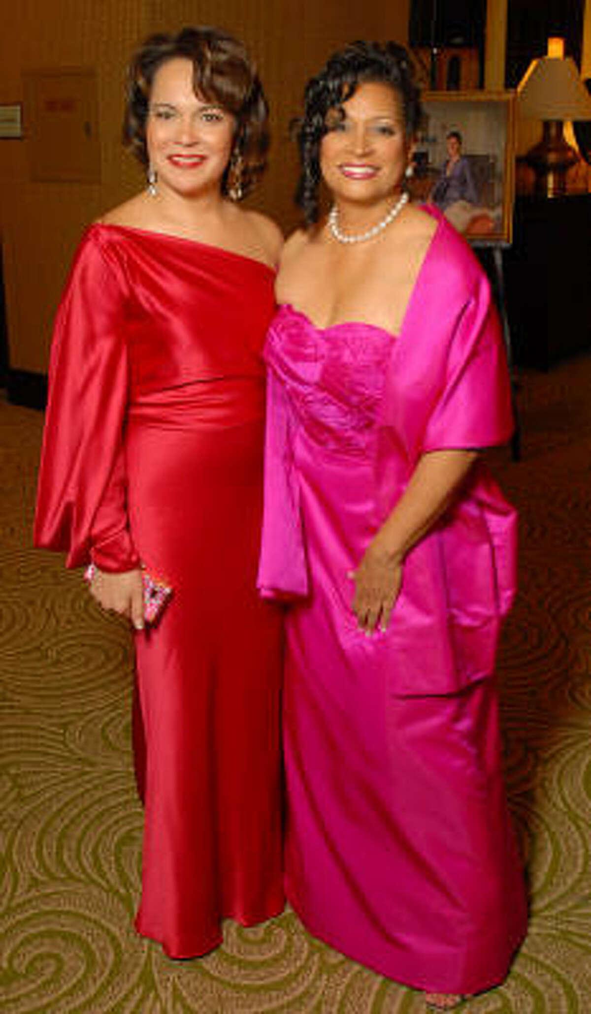 Honorees Rosi Hernendez, left, and Cheryl Moore McNair