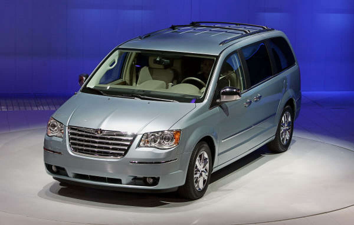 Other top minivans: The Caravan's cousin, Town and Country