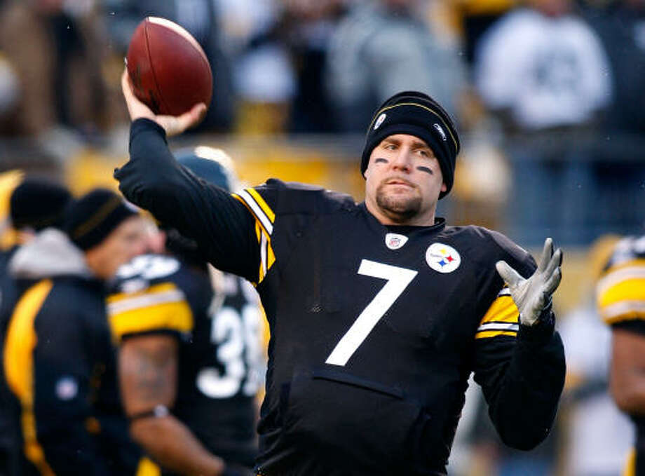 Steelers 35, Chargers 24:Ben Roethlisberger suffered a concussion during the regular season finale but was fine for the Steelers' first playoff game. Photo: Chris Graythen, Getty Images