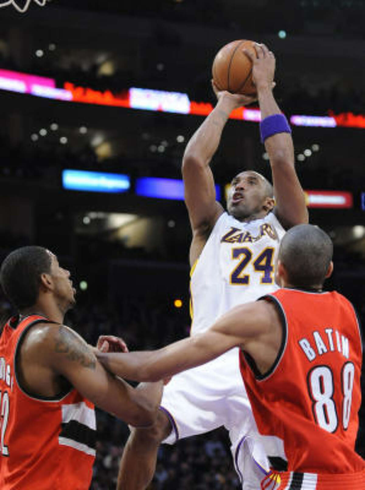 No. 1 LOS ANGELES LAKERS - (Last wk: 2) - 29-6 . Kobe Bryant (24) and the Lakers lost Jordan Farmar to a knee injury, but things are going so well with five wins in a row that they haven't even given Stephon Marbury and all of his baggage a glance.