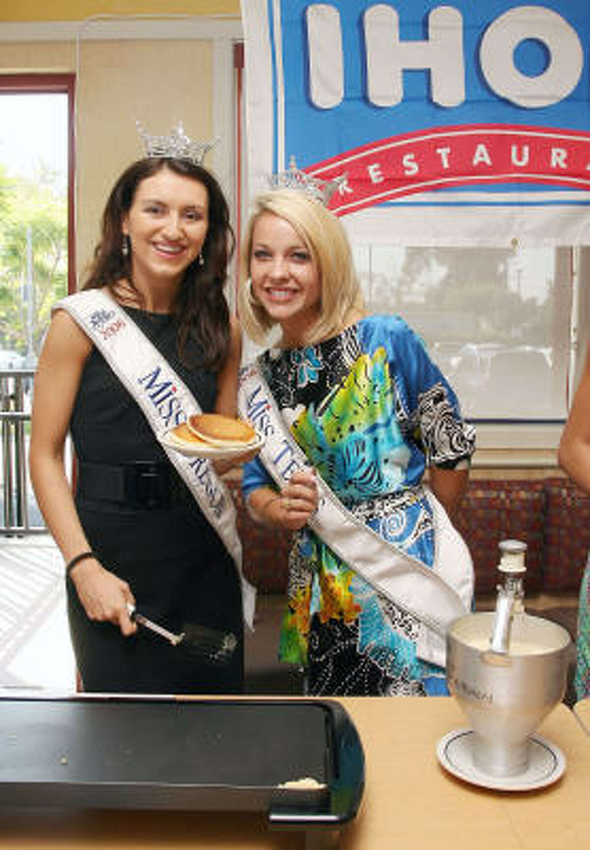 Miss Oregon Danijela Krstic, left, and Miss Texas Rebecca Robinson attend the 2009 Miss America Contestants
