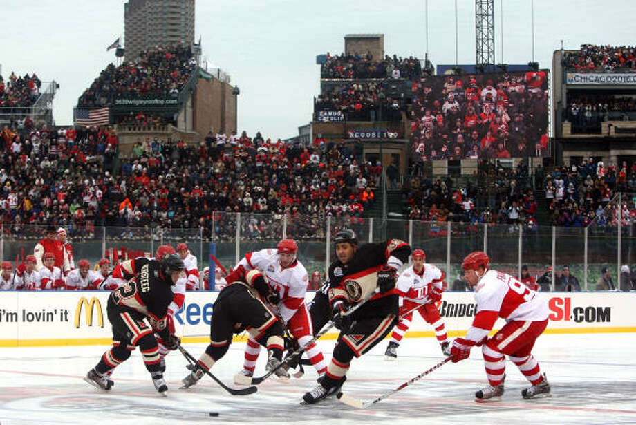 The Chicago Blackahawks and Detroit Red Wings played in the NHL's second New Year's Day Winter Classic. Photo: Jonathan Daniel, Getty Images