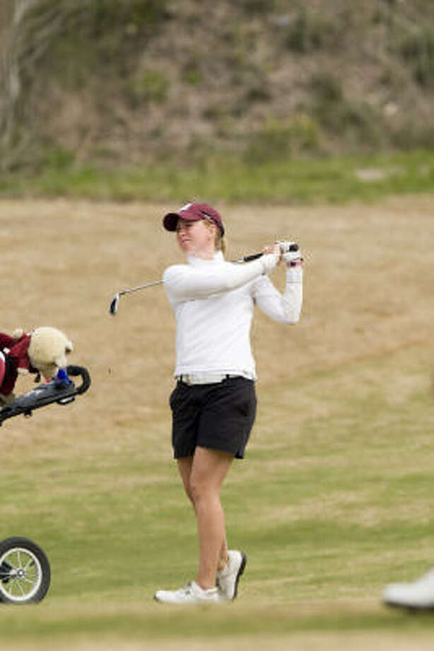 Lauren Johnson beat Elizabeth Wendt to advance to the quarterfinals of the Women's Southern Amateur Championship. Photo: Courtesy Of Texas A&M University