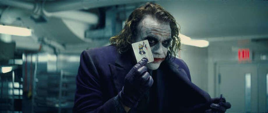 EL GUASÓN: Este personaje es uno de los últimos interpretados por Heath Ledger antes de morir en enero por sobredosis de medicamentos. Photo: Warner Bros