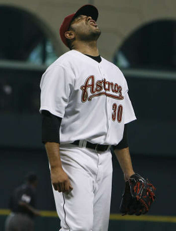 The players' union vowed to file a grievance on behalf of Shawn Chacon after the righthander cleared waivers and was released by the Astros without pay Monday. Photo: James Nielsen, Houston Chronicle