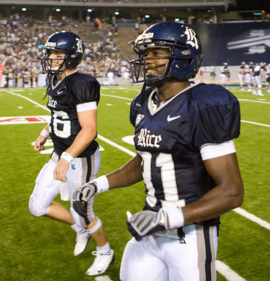 Quarterback Chase Clement, left, and wide receiver Jarett Dillard are the Owls' two biggest playmakers. Photo: Nick De La Torre, Chronicle