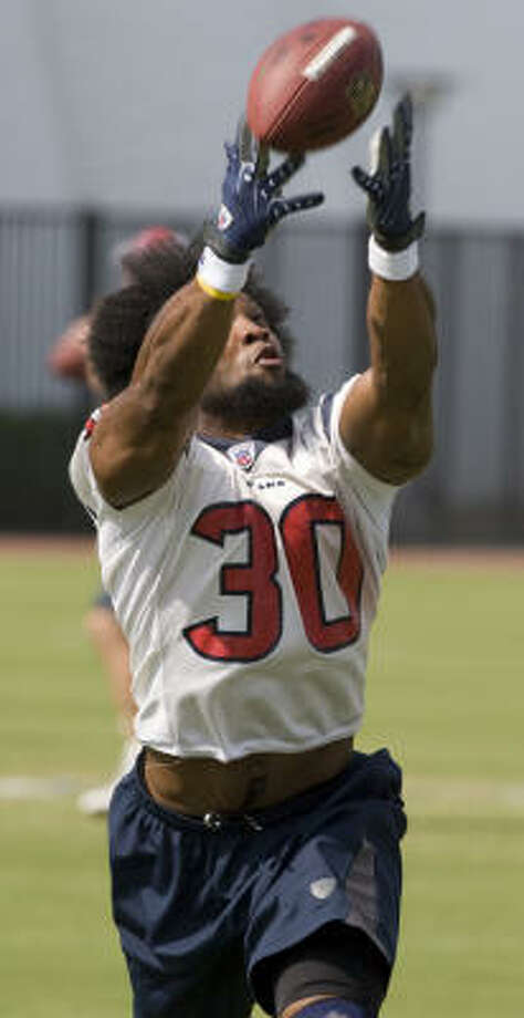 Texans running back Ahman Green (shown here in this May 21, 2008 file photo) missed the team's workout Wednesday with a possible case of food poisoning. Photo: Brett Coomer, Chronicle
