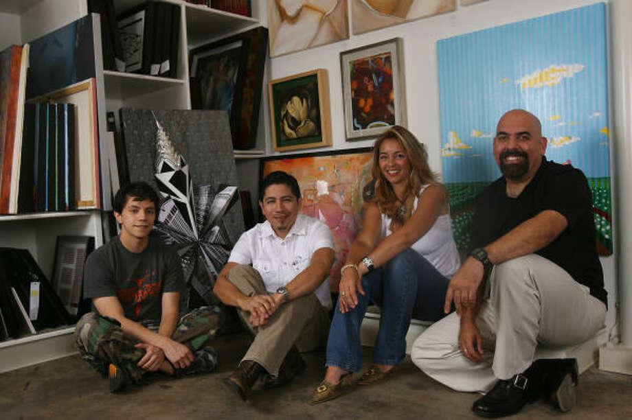 ARTISTAS:De izquierda a derecha, Erik Estada, Antonio Farfán, Isabel Souchon y Stanley Bermúdez. Photo: MAYRA BELTRAN, LA VIBRA