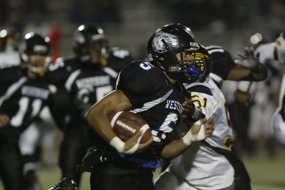 Westside running back Kevin Brooks and the Wolves are hoping to prove the pundits wrong and mount a run to the District 20-5A championship this fall. Photo: Matthew White