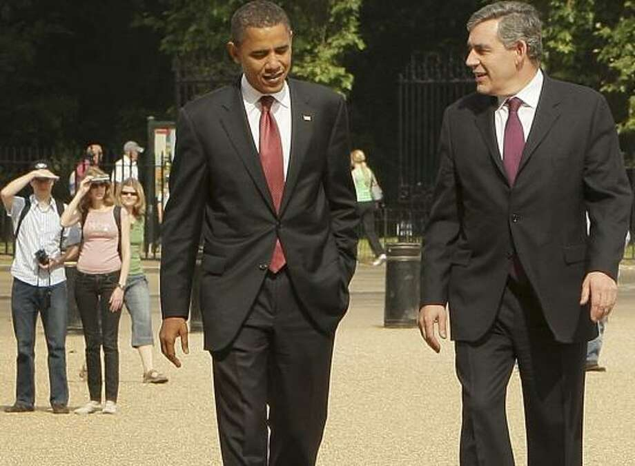 Democratic presidential contender Sen. Barack Obama met with British Prime Minister Gordon Brown in London on Saturday. Photo: PETER MACDIARMID, ASSOCIATED PRESS