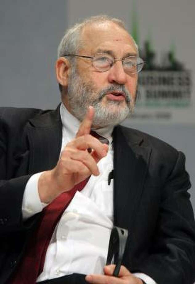2001 Nobel Economics prize winner from the University of Columbia, Joseph Stiglitz speaks on February 14, 2008 at La Defense during the World Business Districts Summit. Photo: PIERRE VERDY, AFP/Getty Images