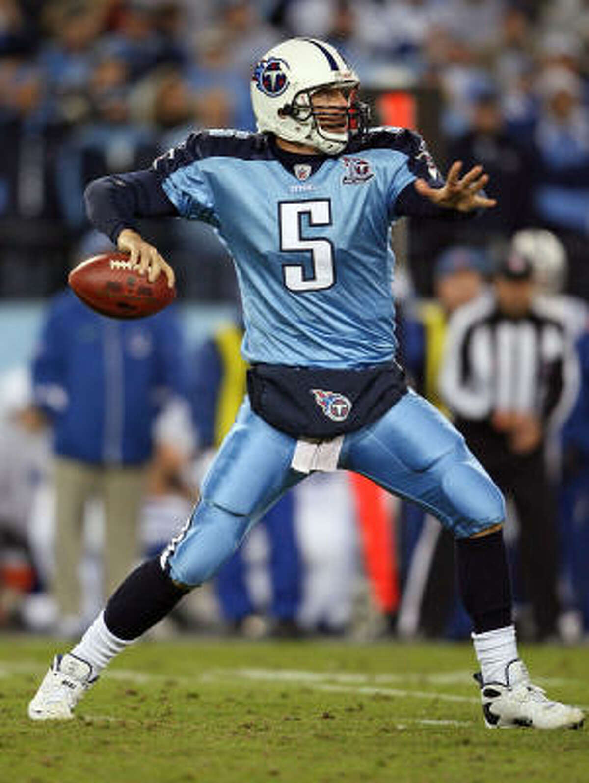 The Titans have needed little out of replacement quarterback Kerry Collins to achieve a perfect record.