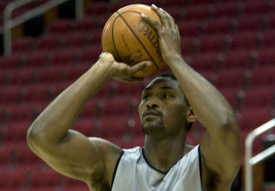 Ron Artest is the rare NBA player who can lead his team in scoring and the prowess to be a top-notch defender. Photo: James Nielsen, Chronicle