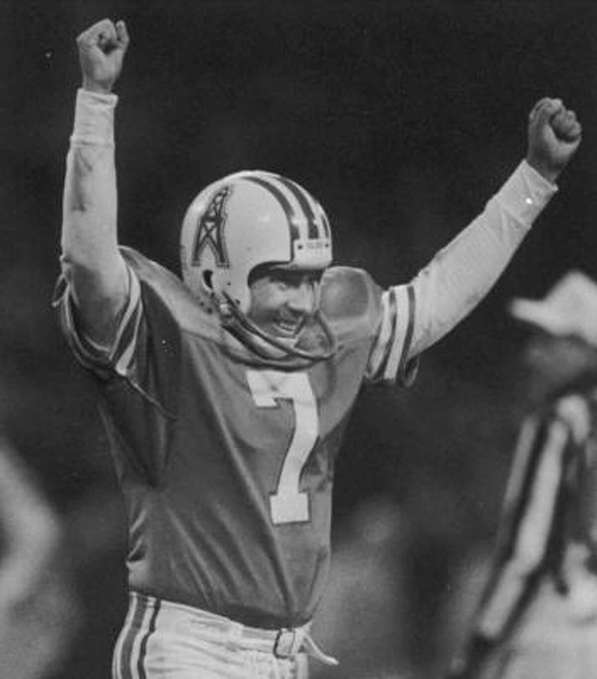 1987: Oilers 23, Seahawks 20 (OT) Warren Moon threw for 273 yards and a touchdown in his first playoff game, and Tony Zendejas made a 42-yard field goal with 7:55 left in overtime. The Seahawks had tied the score with just 26 seconds left in regulation on Dave Krieg's 12-yard TD pass to Steve Largent.