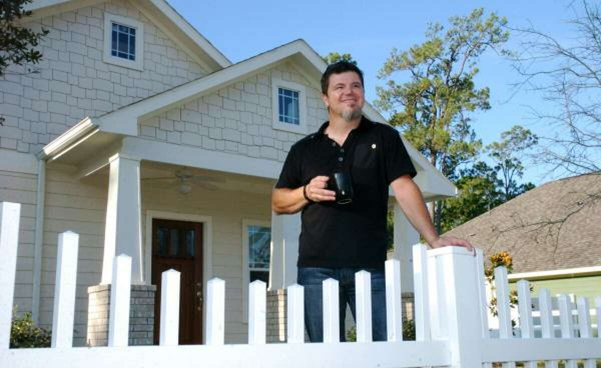 """Ray Plummer says the Borondo Pines neighborhood in La Marque reminded him of the small town in Ohio where he grew up. """"Traditional neighborhood developments"""" are a growing trend in the Houston area."""